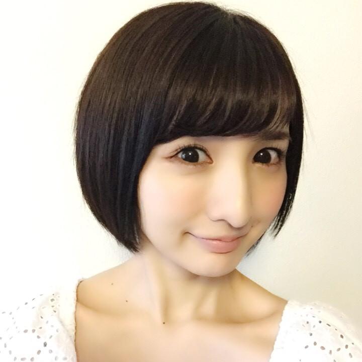 グラビアアイドル尾崎ナナが結婚をしていた!そのお相手とは?のサムネイル画像