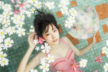 手に入れるなら今!渡辺美優紀さんの可愛すぎる人気グッズをご紹介のサムネイル画像