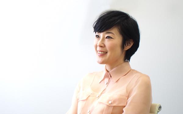 実力派女優・寺島しのぶさんの母親は着物の似合うあの大女優のサムネイル画像