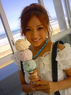 AAAで大人気!伊藤千晃の可愛すぎる髪型をたっぷりとご紹介!のサムネイル画像