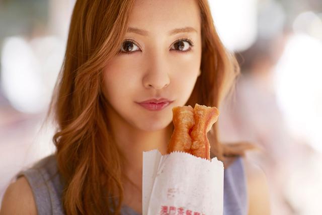 板野友美さんのすっぴん画像が可愛い!しかし、整形疑惑が浮上!のサムネイル画像