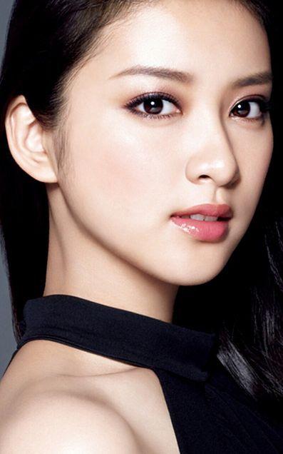 今が旬!とにかく美しい武井咲の絶対真似してみたい綺麗系髪型のサムネイル画像