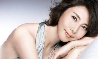 こんなに似合う髪型を探したい!松嶋菜々子の美しい秘密探ります!のサムネイル画像