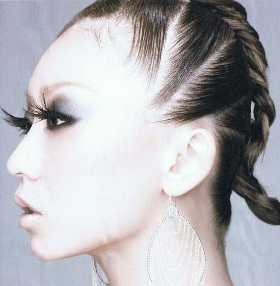 ファッションに見事マッチ!倖田來未の変幻自在な髪型教えます!のサムネイル画像