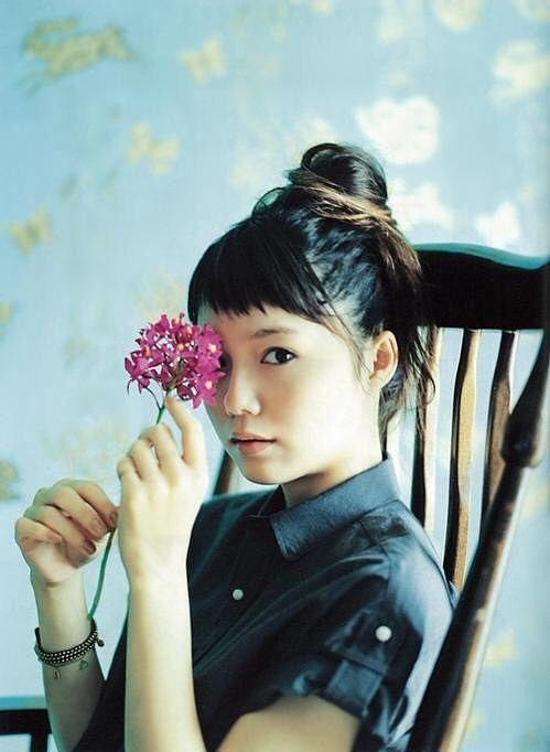 永遠の美少女・宮崎あおいのナチュラル可愛い髪型カタログ!のサムネイル画像