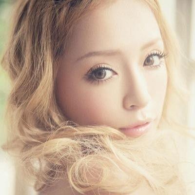 【画像あり】いつの時代も歌姫!浜崎あゆみさんの髪型をご紹介!のサムネイル画像