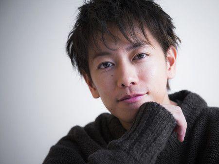 イケメン髪型に挑戦したい!実力派俳優・佐藤健の髪型カタログのサムネイル画像