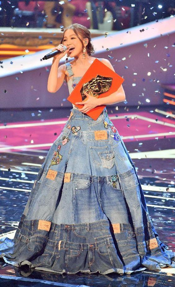 国民的歌姫!紅白常連歌手西野カナさんの「恋する気持ち」って?のサムネイル画像