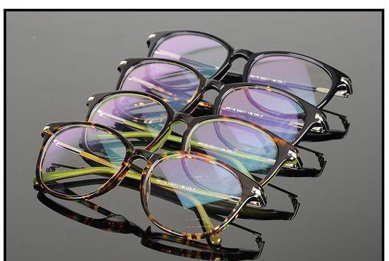 メガネが似合う芸能人を知りたい!男性も女性も調べてみました!のサムネイル画像