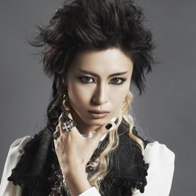 超絶イケメンな男装モデル!akiraさんの年齢や魅力を徹底調査のサムネイル画像