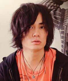 人気声優鈴木達央、BLCD作品などの出演で演技力が魅力的!?のサムネイル画像