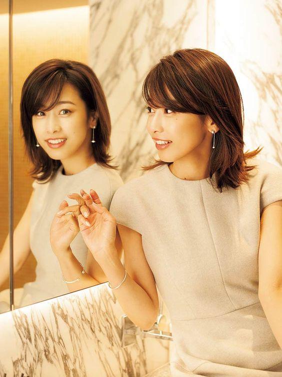 常にアナウンサーランキング上位の加藤綾子!人気の髪型はどれ?のサムネイル画像