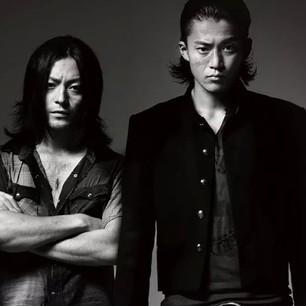 正統派小栗旬と個性派山田孝之の大人気俳優二人は実はとても仲良し?のサムネイル画像