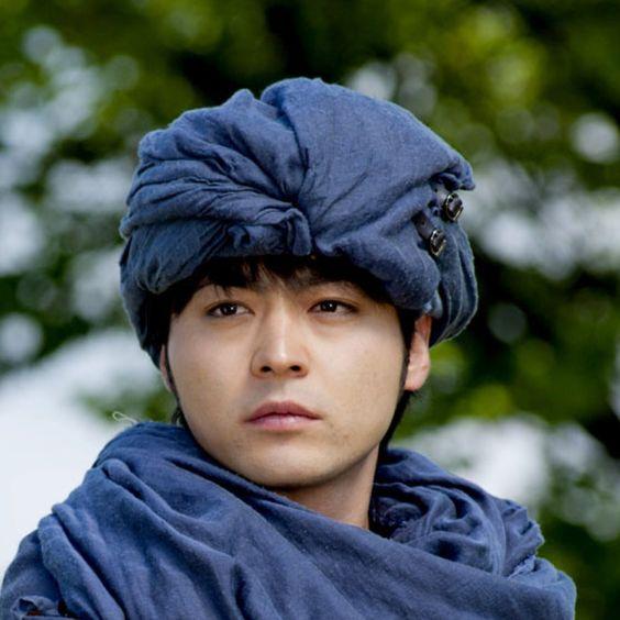 カメレオン俳優山田孝之!これまでしてきた髪型がおしゃれ!?のサムネイル画像