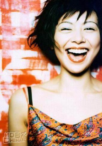 永遠に輝き続けるキョンキョン!かっこかわいい小泉今日子ドラマ厳選のサムネイル画像