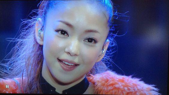 今までを振り返ろう☆安室奈美恵のデビューからのライブ動画まとめ♡のサムネイル画像