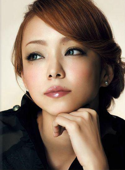 何歳になっても変わらない!安室奈美恵さんの若さと美しさの秘訣☆のサムネイル画像