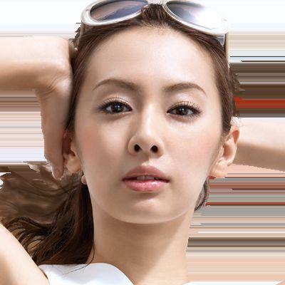 夏の必需品!日焼け止めのcmに出演している女優を大紹介します!のサムネイル画像