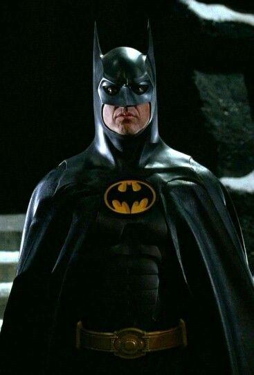 バットマンのマークって・・・歯に見える!?なんでだろう・・・?のサムネイル画像