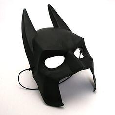 バットマンのマスクが大人気!子供のために手作りする人も続出のサムネイル画像