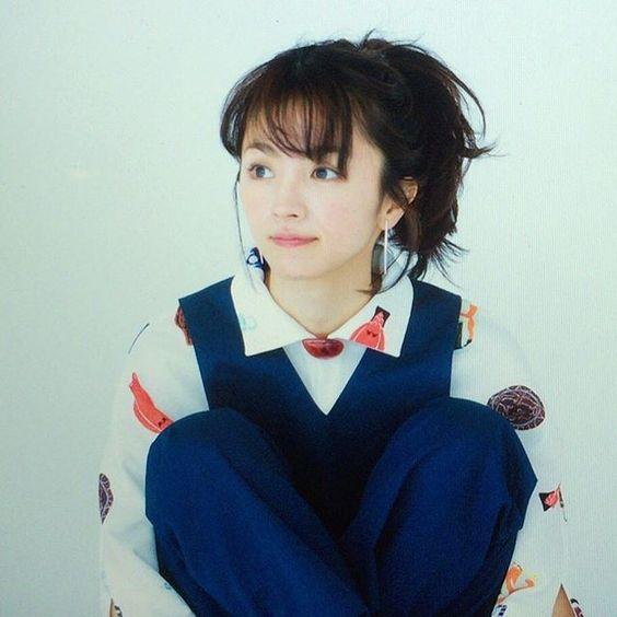 顔立ちは可愛いのに大人っぽくて憧れる!満島ひかりメイクの作り方のサムネイル画像