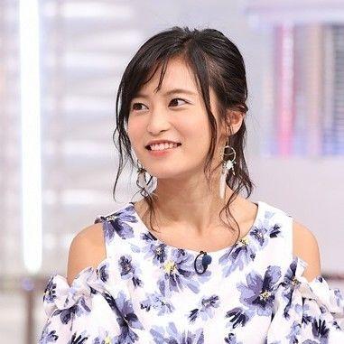 笑顔がキュートな愛され顔!小島瑠璃子さんのメイク方法が気になる!のサムネイル画像