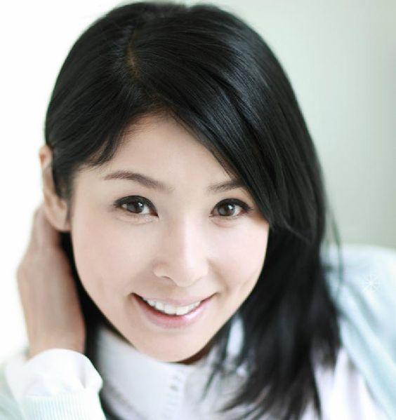 50歳を超えてもなお美しい黒木瞳は、宝塚出身の元タカラジェンヌ!のサムネイル画像