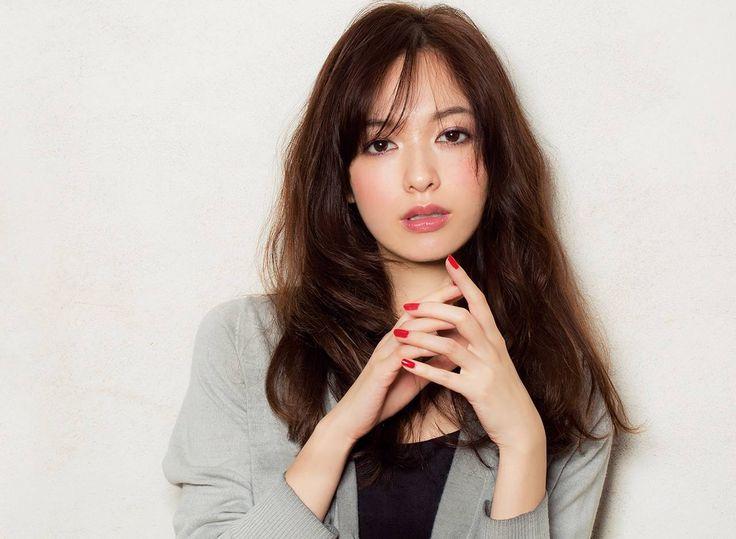 可愛くて色っぽくて真似したい♪森絵梨佳さんの髪型特集です!のサムネイル画像