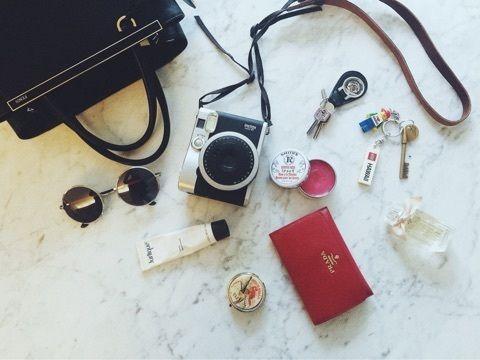 女性芸能人が愛用している財布が知りたい!人気ブランド別にご紹介のサムネイル画像