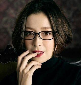 たくさんの話題作に出演!演技派女優 宮沢りえさんの髪型特集!のサムネイル画像