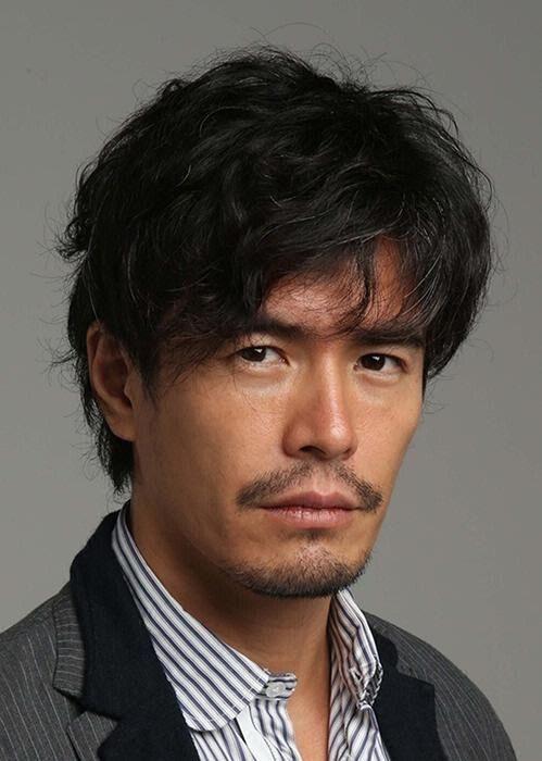 筋肉が美しいイケメン俳優「伊藤英明」について詳しく調査!のサムネイル画像