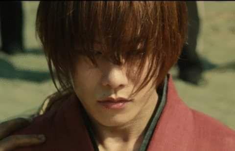 佐藤健主演映画「るろうに剣心」を見た人の評価からあらすじまで!のサムネイル画像