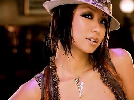 倖田來未のカラオケ人気曲。恋する女性を歌った楽曲が多い。のサムネイル画像