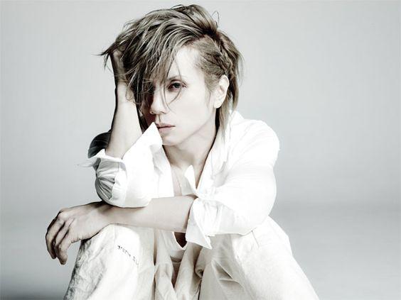 yasuのソロプロジェクトAcid Black Cherryの魅力や人気曲は!?のサムネイル画像