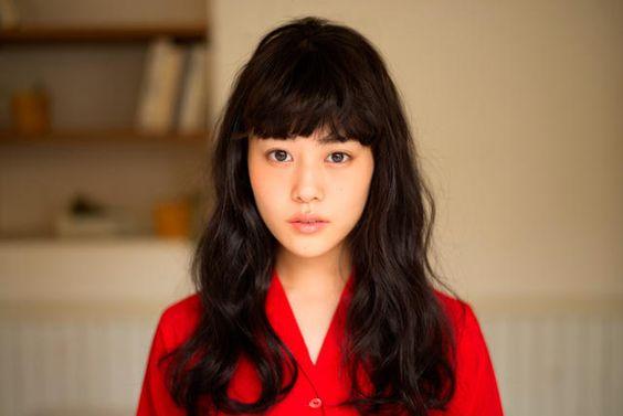 女優の高畑充希が愛用しているスキンケア用品とメイク方法を紹介!のサムネイル画像