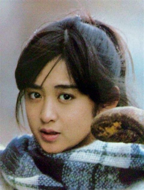 斉藤由貴の3度の不倫、結婚、復帰について詳しく説明しますのサムネイル画像
