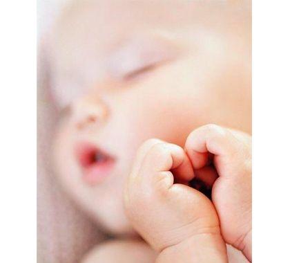 待望の赤ちゃんの誕生!保田圭さんの結婚から出産までの道のりのサムネイル画像