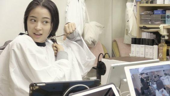 広瀬すず。人生で一番髪を短くした10代最後の主演ドラマ『anone』のサムネイル画像