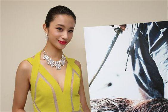 モデルの「高橋メアリージュン」が数々のドラマで大活躍してる!のサムネイル画像