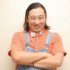 ロバート 秋山が10人を演じるドラマ「黒い十人の秋山」が話題に!のサムネイル画像