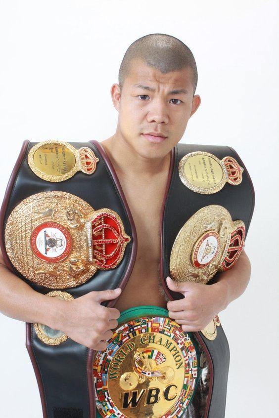 【ボクシング】元世界3階級王者の「亀田興毅」が現役復帰か!?のサムネイル画像