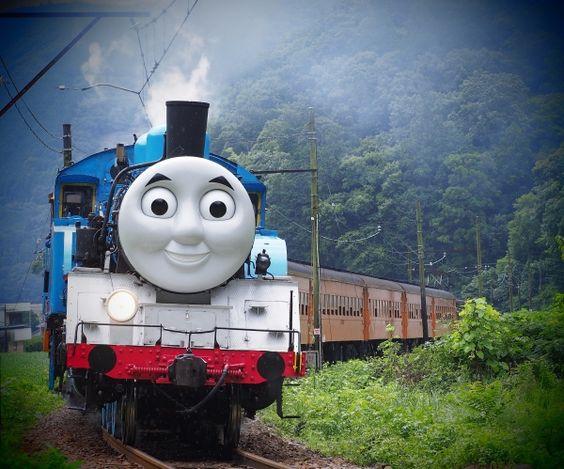 お笑いトリオ「森三中」が映画「トーマス」の声優として出演!のサムネイル画像