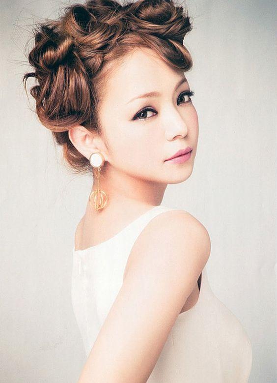 【安室奈美恵】二つの時代の頂点を駆け抜けた歌姫の人間性とは?のサムネイル画像
