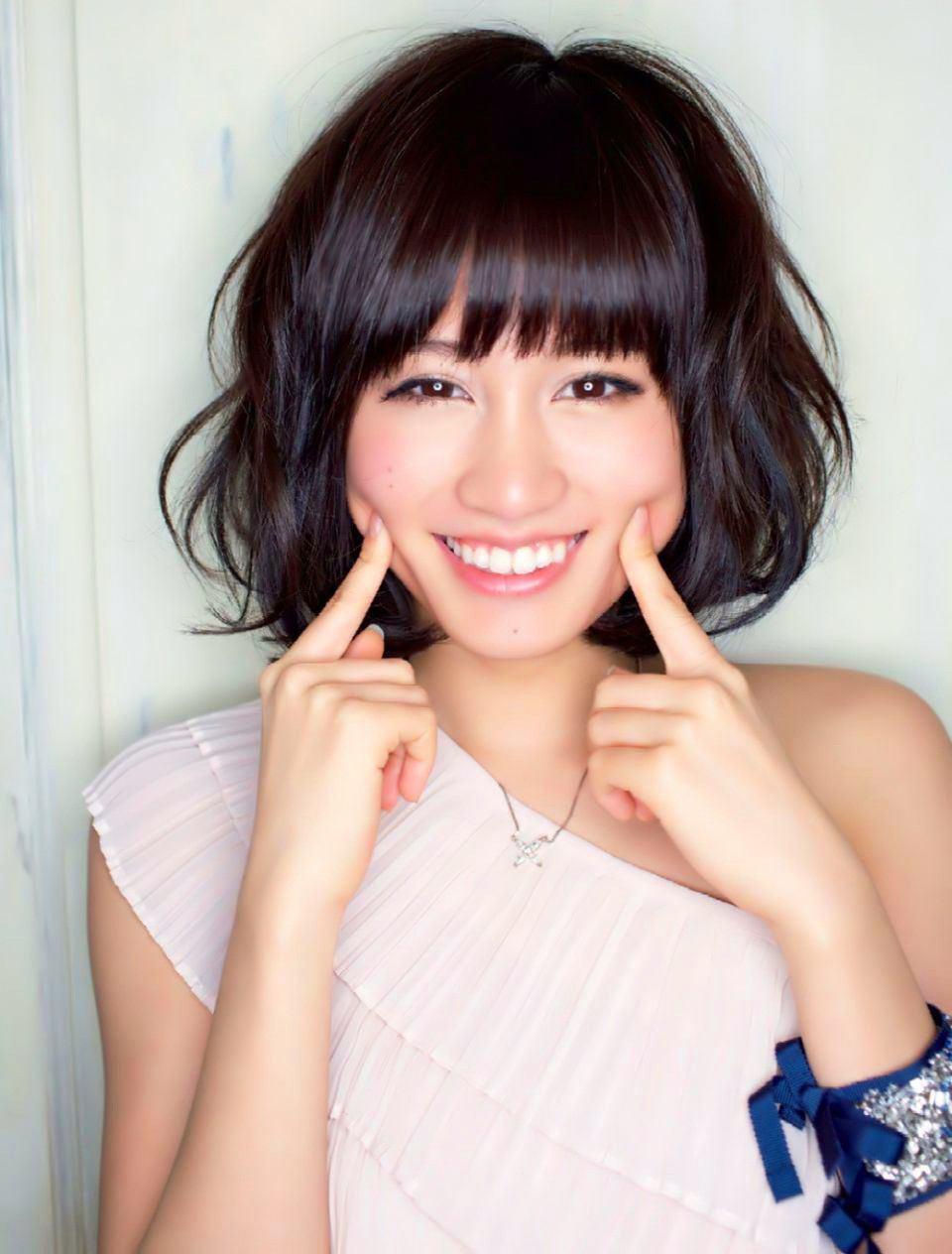 【元AKB48】センターを務めた前田敦子の注目される髪型とは!?のサムネイル画像