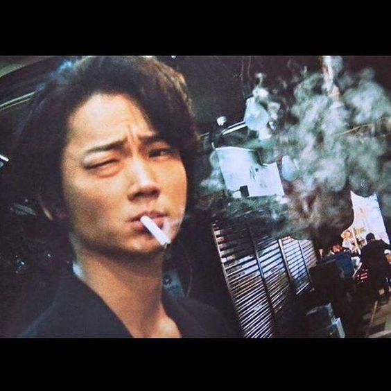 色気たっぷり!綾野剛さんの出演しているアーカーのCMが気になる!のサムネイル画像