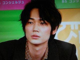 人気実力ともにNO1!俳優の綾野剛の写真集「胎響」についてのまとめのサムネイル画像