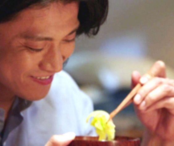 【空腹時注意】美味しそうにチャーハンを食べまくる小栗旬のCMのサムネイル画像