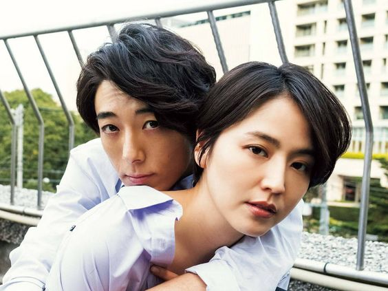 映画『嘘を愛する女』で共演!長澤まさみと高橋一生のふたりのサムネイル画像