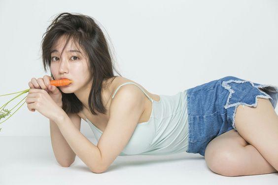 可愛いだけではない?!抜群のスタイルで話題の女優・吉岡里帆さん!のサムネイル画像