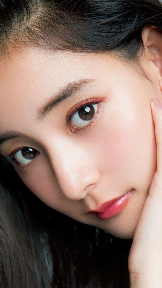 大人気のファッションモデル・女優新木優子さん!!彼女の性格は!?のサムネイル画像